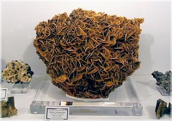 ウルフェナイトとデクロワゾー石