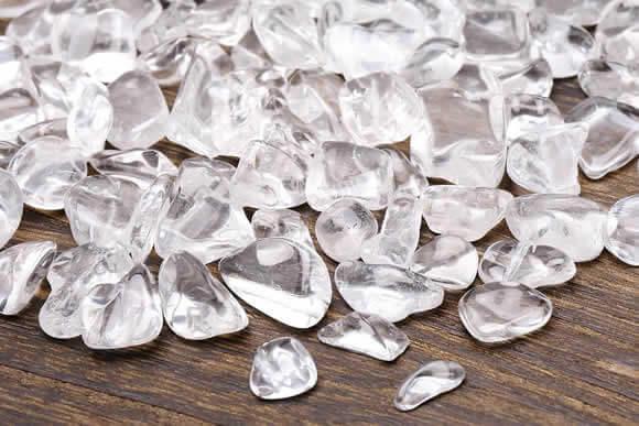 水晶さざれ浄化セット(水晶ポイント×3本、水晶さざれ、アカシア木製皿・ドロップ)