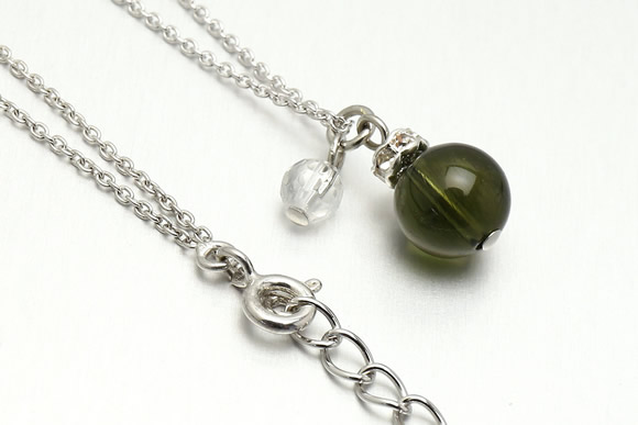モルダバイト・水晶カット ネックレス