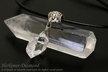 ハーキマーダイヤモンドネックレス 革紐